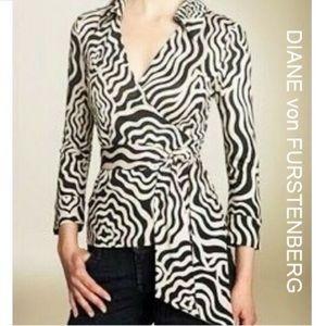 Diane Von Furstenberg Vintage Wrap Top Size 10